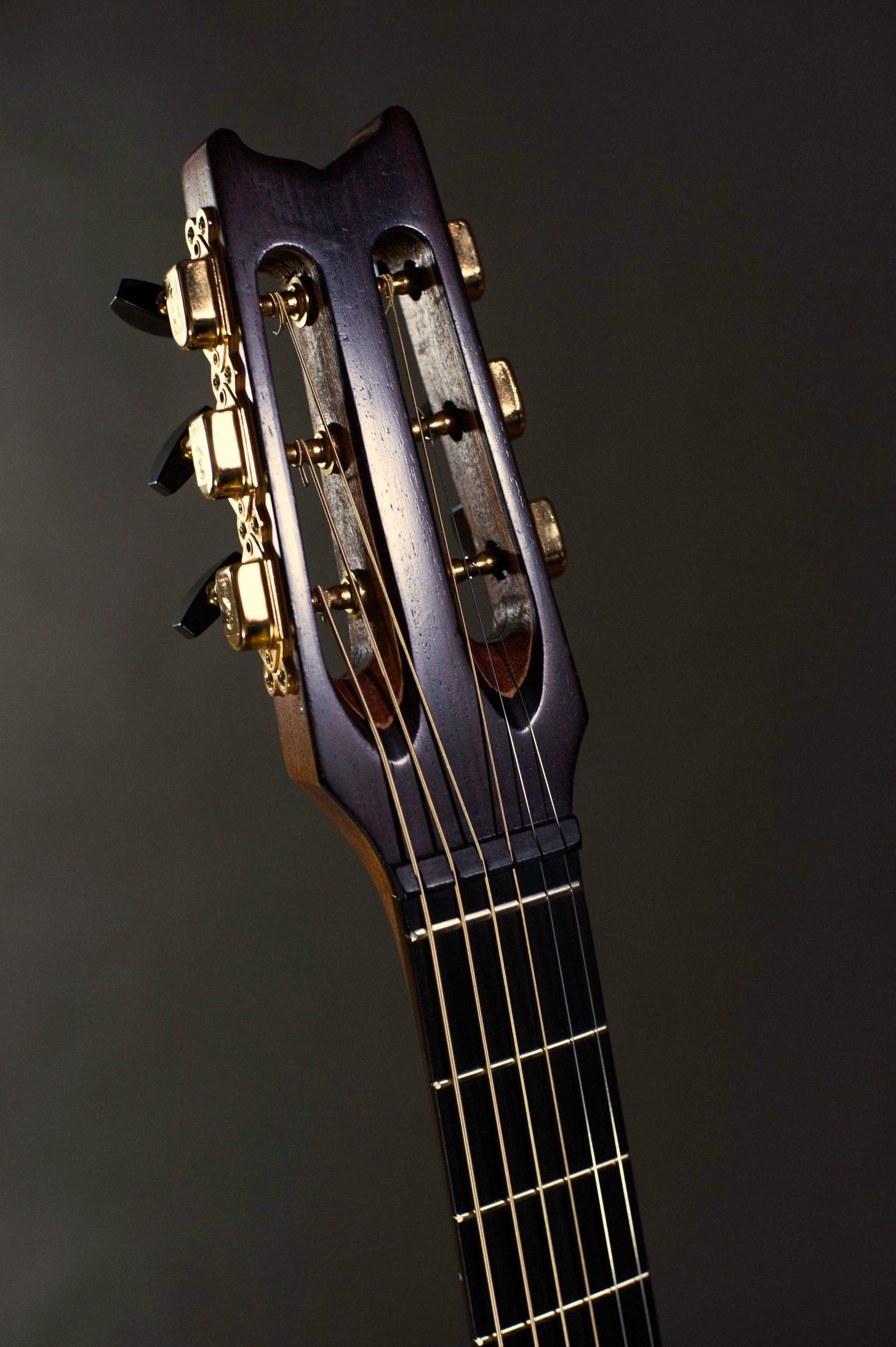 Cork-Guitars - jazz headstock