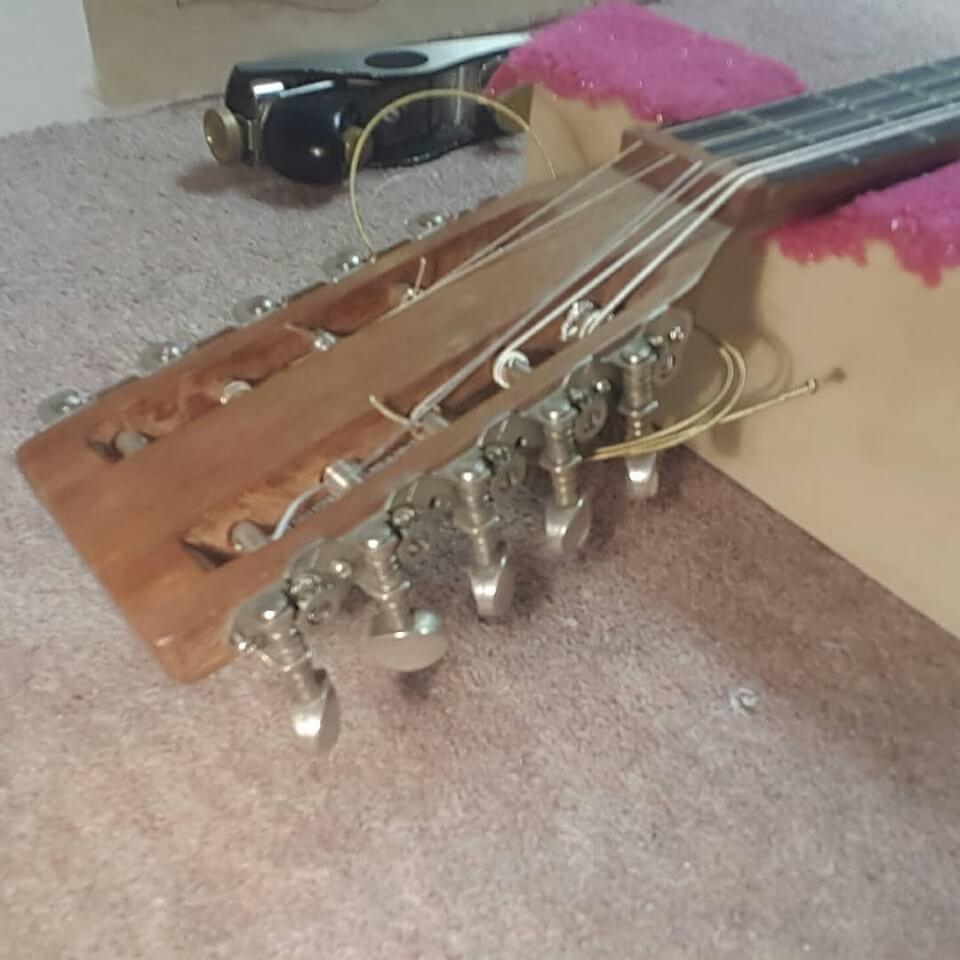 Cork Guitars - string head